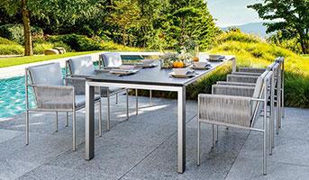 Gartenmöbel-Tischgruppe