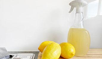 Putzmitel aus Zitronen