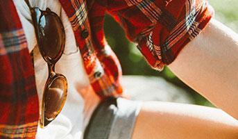 Wanderer mit Sonnenbrille