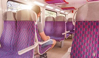 Person im Zug